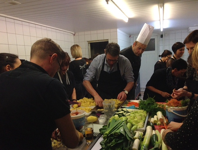 Team cooking Le Moulin Altwies Luxembourg