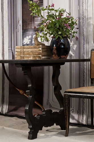 Styling of small boutique hotels and private Houses
