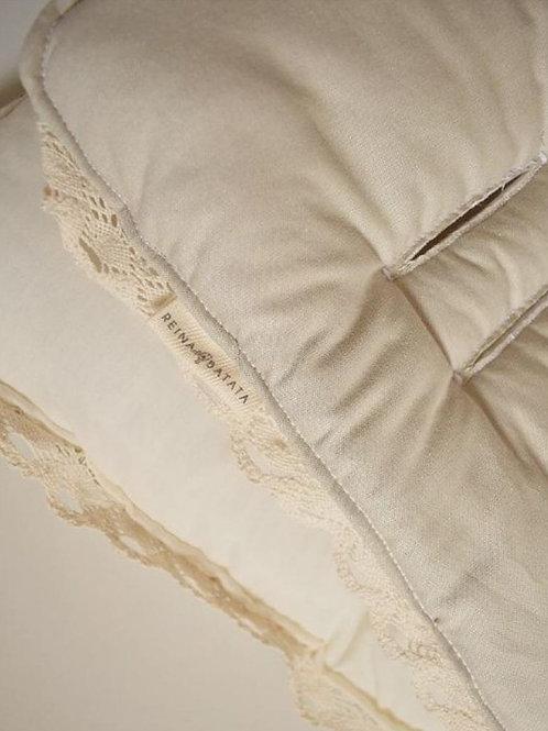 Cobertor de coche con puntilla