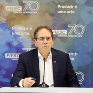 Indústria puxa retomada em 2020, mas reformas e controle fiscal condicionam crescimento em 2021