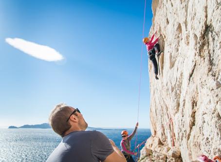 Matériel d'Escalade - Équipements de base pour grimper en falaise