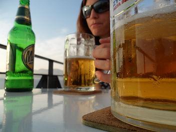 une bière après l'escalade à Kalymnos