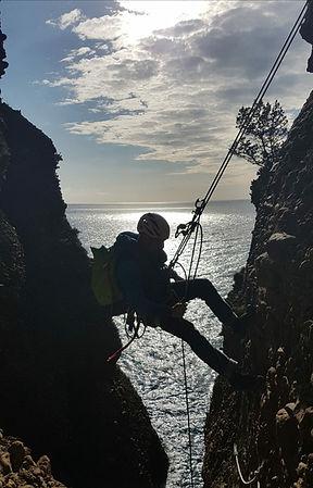 grande voie d'escalade, descente en rappel Cap Canaillejpg
