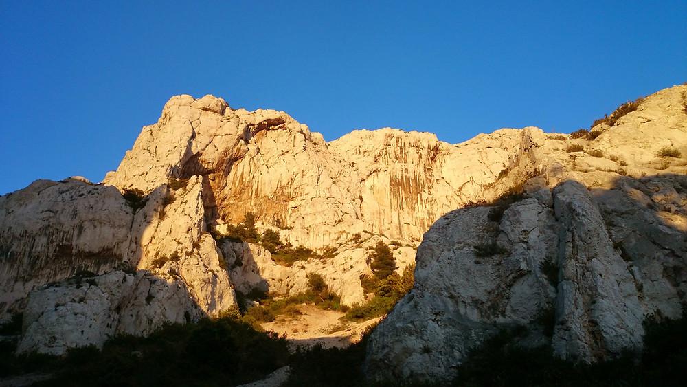 Marseille escalade: grotte de l'ermite aux goudes