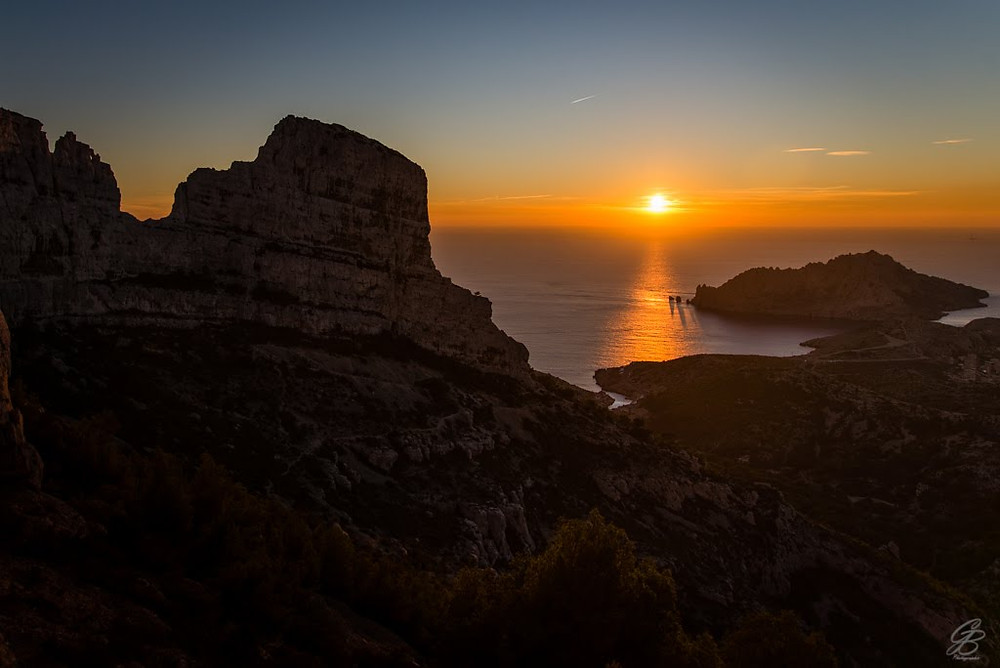 Marseille escalade : couché du soleil depuis le secteur d'escalade de la paroi jaune