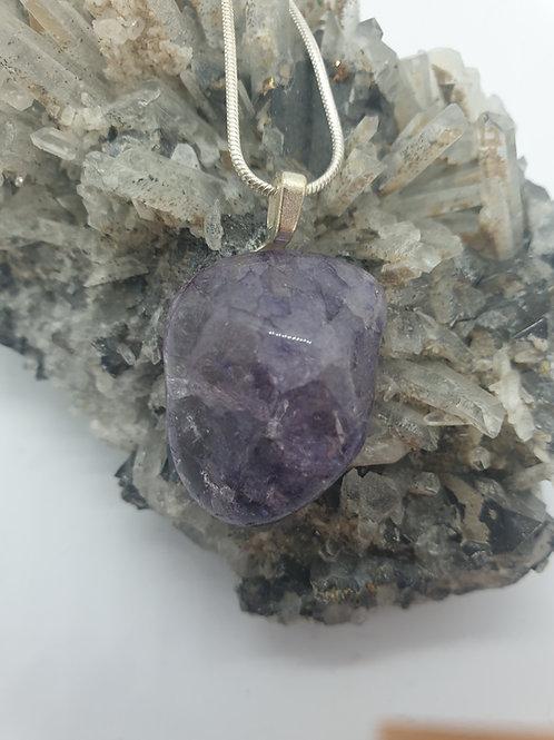 Purple crackle quartz