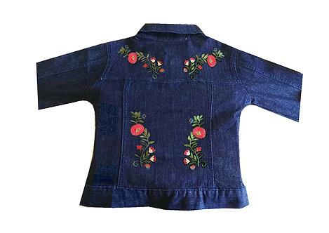 Campera de jean con apliques en la espalda talles 12, 14 y 16