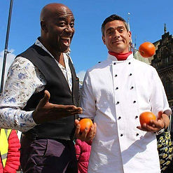 The Juggling Chef & Ainsley stirrin' it