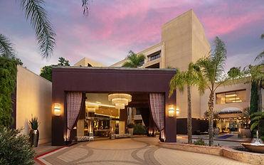 avenue-of-the-arts-costa-mesa-exterior-sunset-2-1440x900.jpg