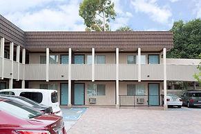 Super 8 Costa Mesa.jpg