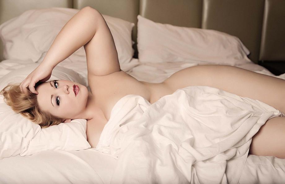 curvy-plus-sized-boudoir-photography-las