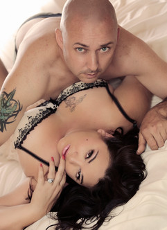 couples glamour boudoir photo shoots