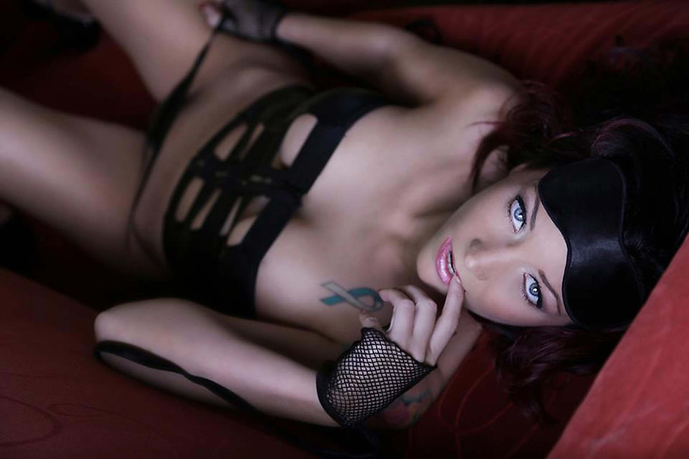 boudoir-pictures-sexy-photography-DE-MD-