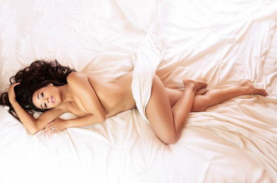 sheets only boudoir photo sessions