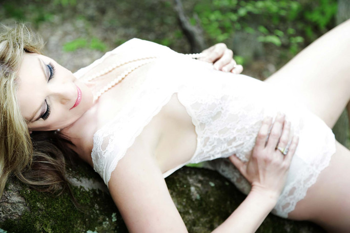 mature women classy boudoir photography.