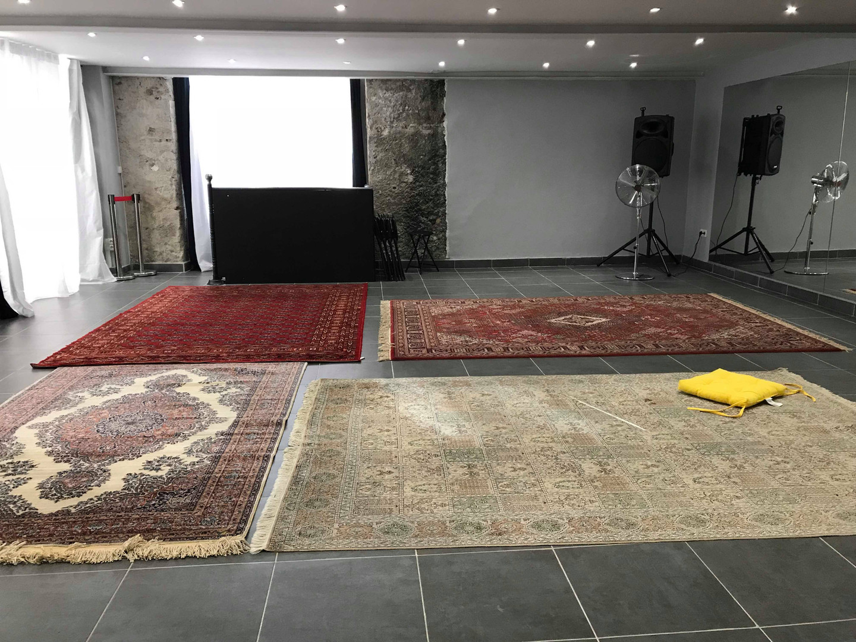 Centre Litchee - la salle principale - tapis