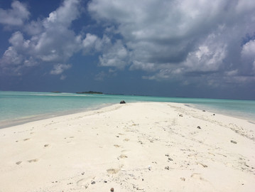lone beach Maldives