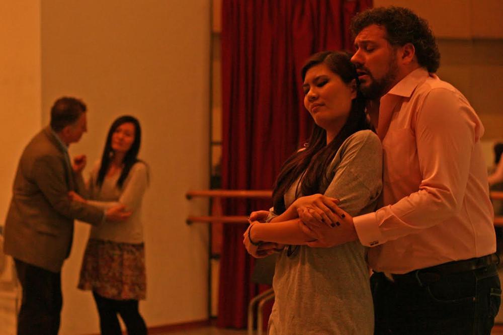 劇中四重唱的排練情況(左二:林穎穎,右二:連皓忻)