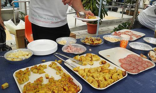 意大利人都喜歡在餐前吃些小食,飲杯cocktail、socialize一下