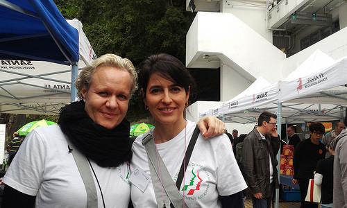 意大利婦女會的Michela(左)同Paola(右)希望多些香港人可以知道她們的活動