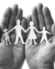 Famille-main_edited.jpg