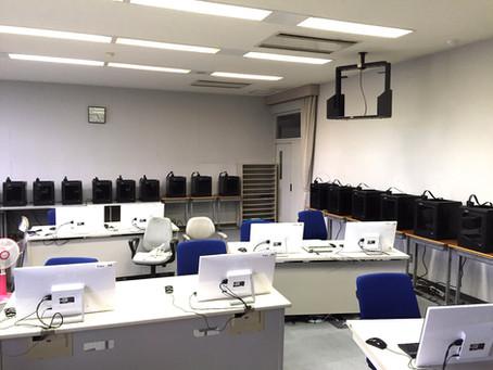 甲府市立の専門学校にM200が18台納入されました。