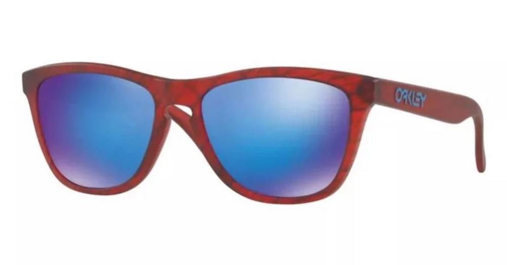 איך לבחור משקפי שמש לפנים עגולות? אוקלי ״פרוג סקין״ 495 ש״ח