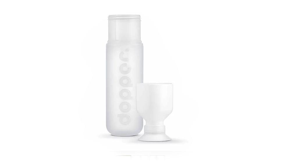 בקבוק מים לבן צחור וידידותי לסביבה