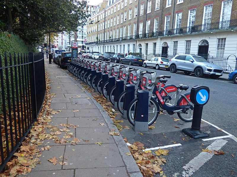London has plenty of bike stations around the city that you could also rent cheaply as an alternative to buying your own. Image credit: Elliott Brown