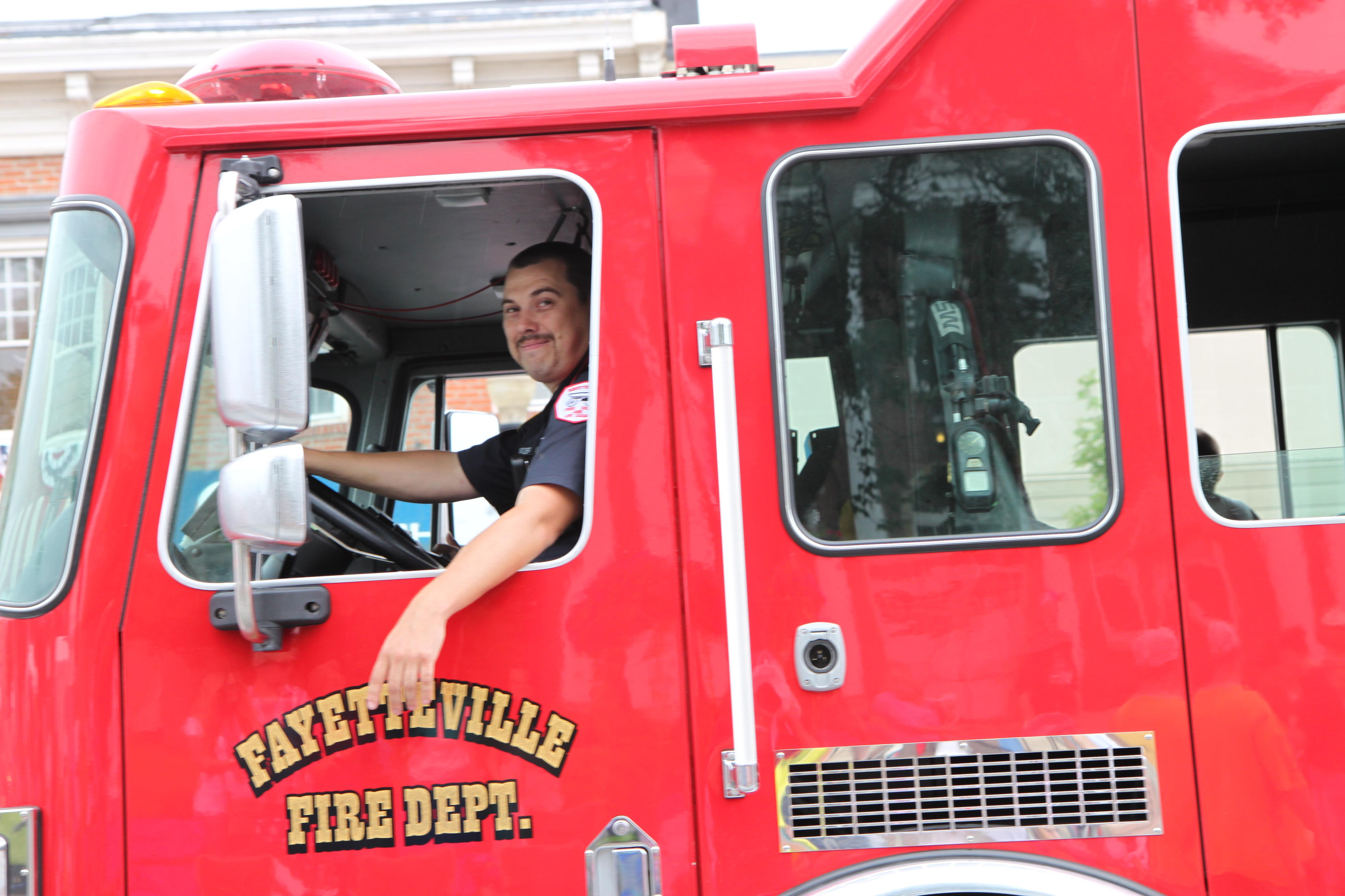 FOB 2013 Fire Parade 037.jpg
