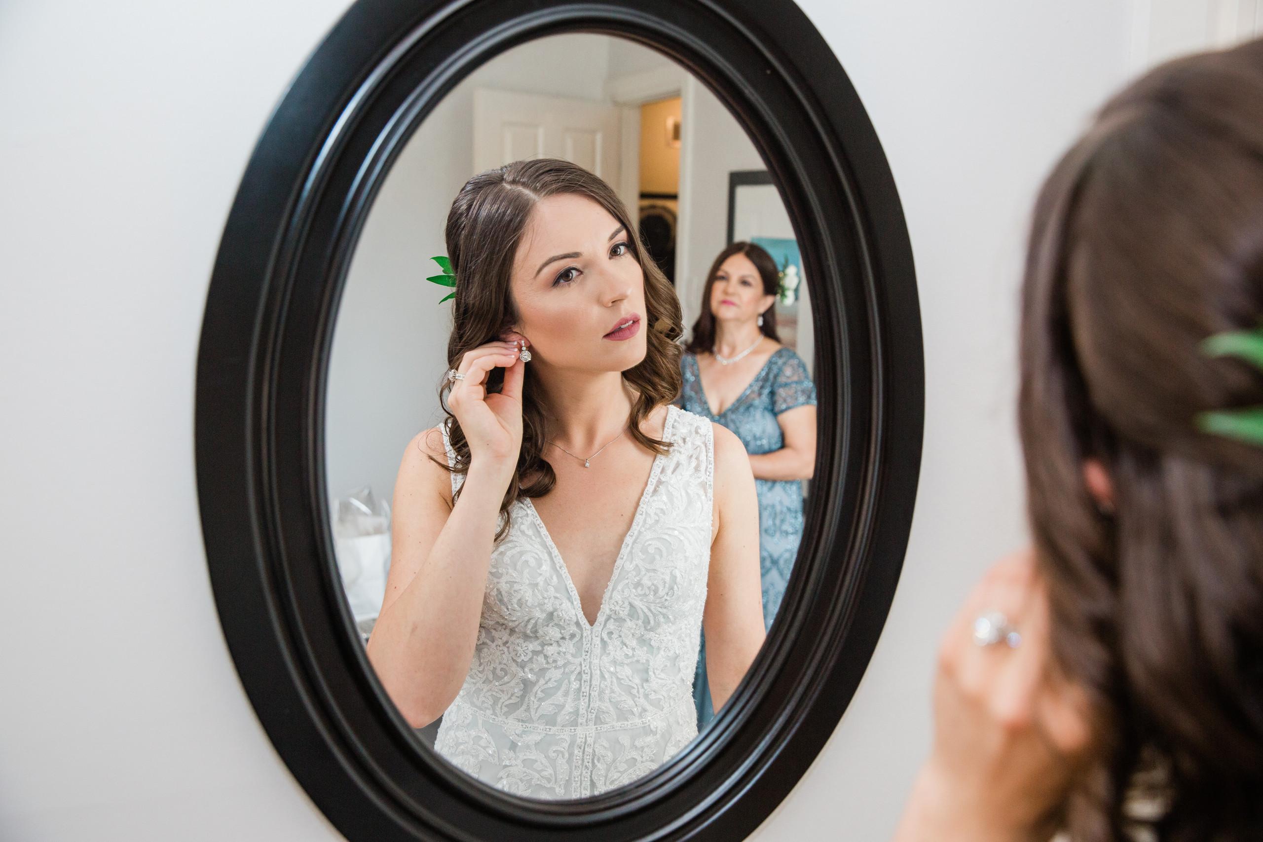 bride prep photography
