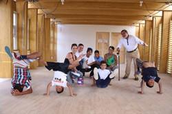 Alfonso Chase con los estudiantes