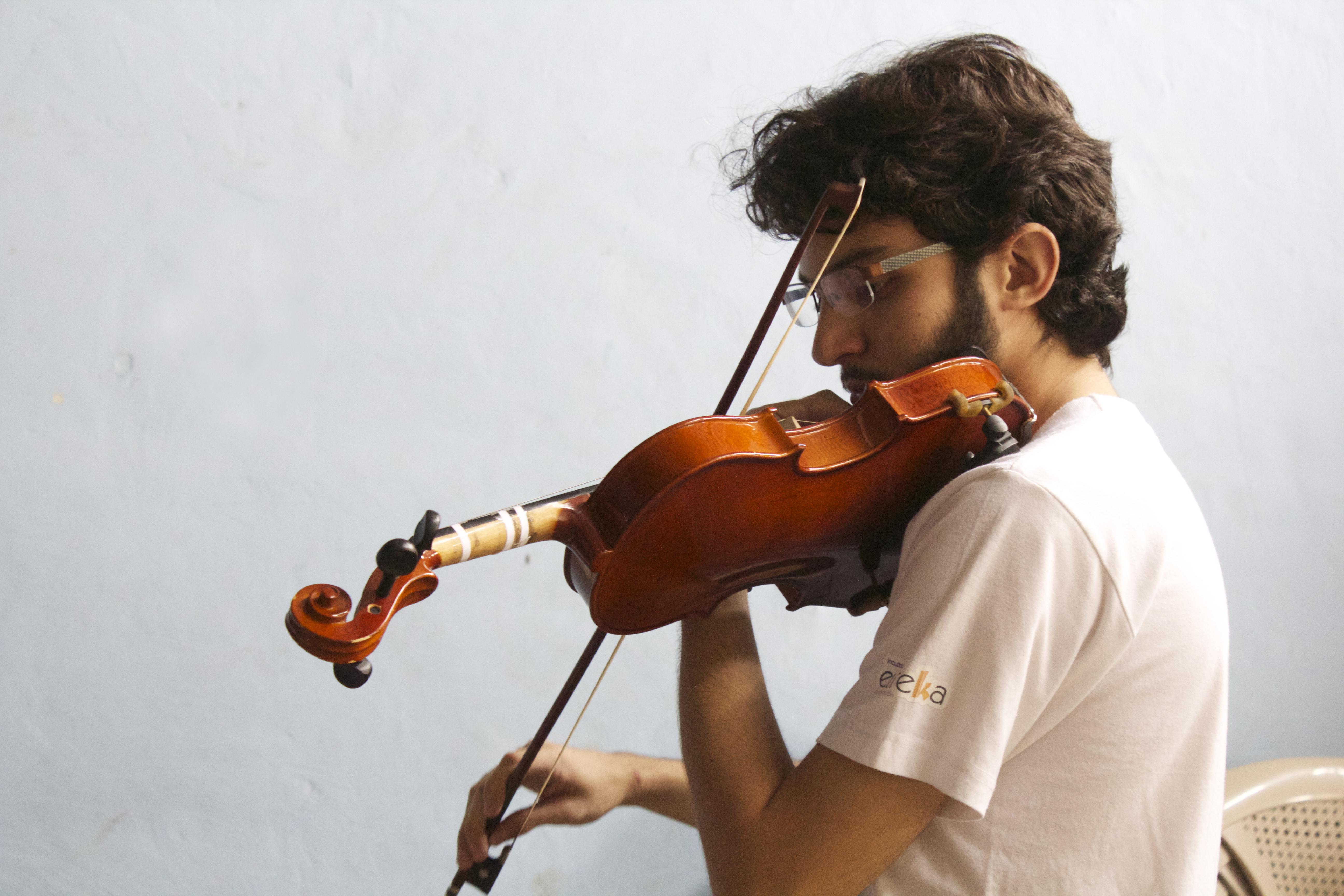 Sebastian R, director de Orquesta