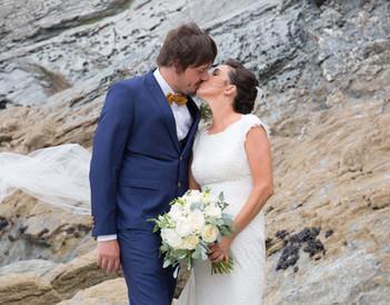 beach wedding photos cornwall