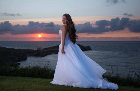 bride sunset photos cornwall beach