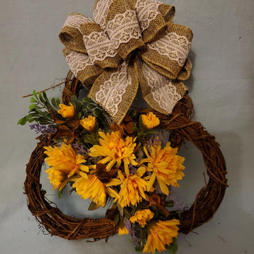 Triple grapevine wreath with sunflowers
