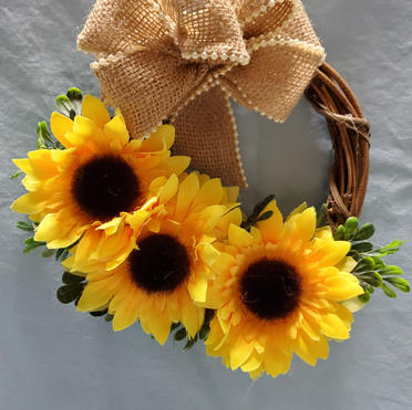 small grapevine wreath with sunflowers