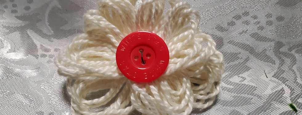 Ragtime cream bow with red button