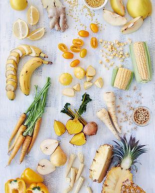 variedade saudável de alimentos amarelos