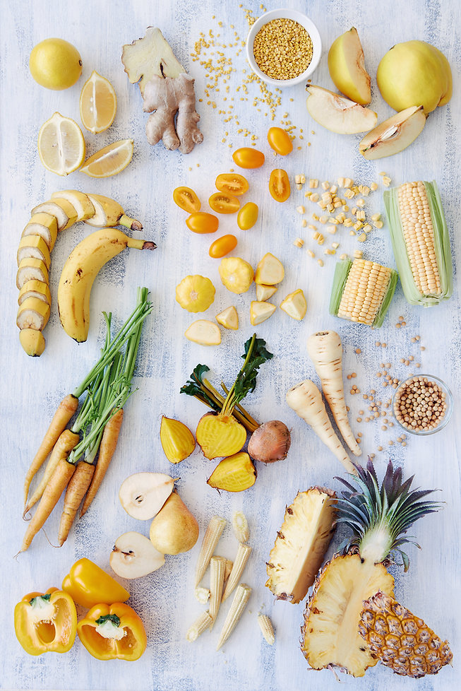 黄色の食品の健康的な品揃え