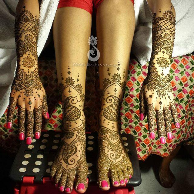 #BridalMehndi for _avantikaba last year from a _mehndidesigner design which looks inspired by _ravie