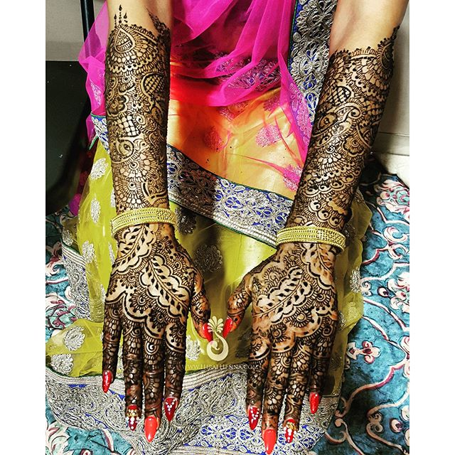 _shivanishukla_'s full bridal mehndi. Come meet me at #Vivah2015 to discuss your own bridal mehndi o