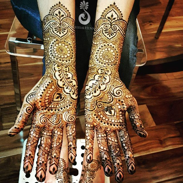 Happy #MehndiMonday! Here's Priti's #bridalmehndi from last week