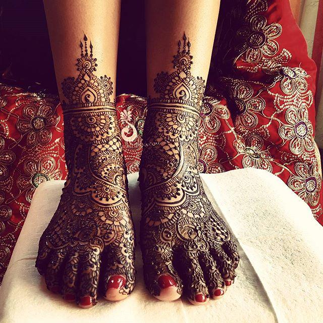 #BridalFeet for the very sweet bride _shivanishukla__-----------------------------------------------