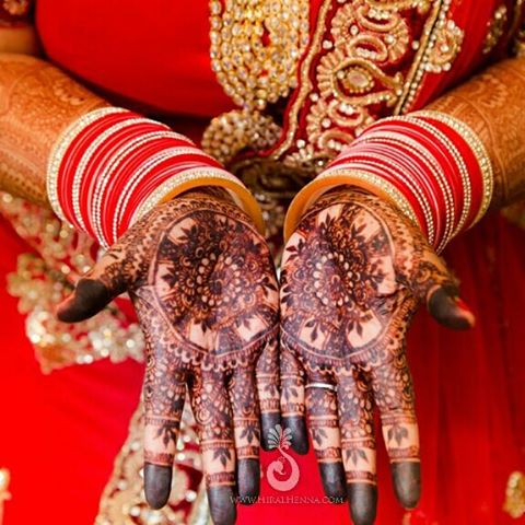 Happy #MehndiMonday! Check out the nearly black stain from one of our real brides earlier in the yea