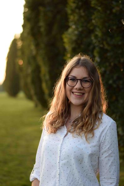 Janina Portrait.JPG