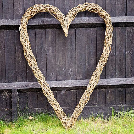 New: Tall Willow Heart Decoration