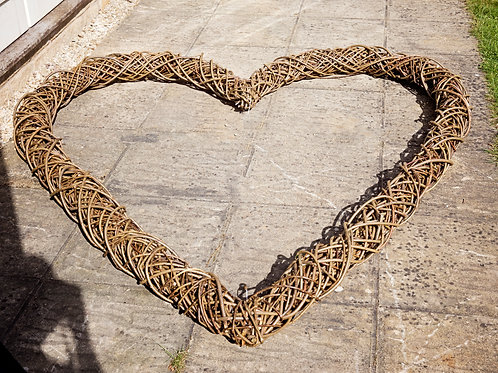 Giant Willow Heart (Collection Only)