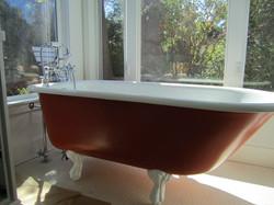 Freestanding Claw bath
