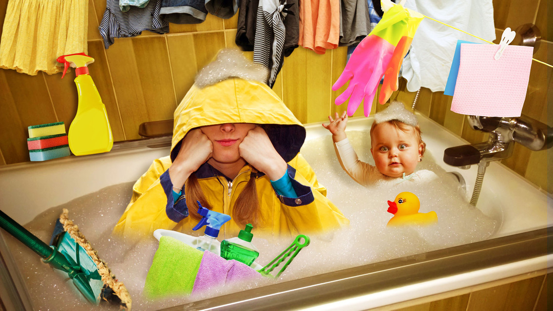 Frau Regen Badewanne 2 b.jpg